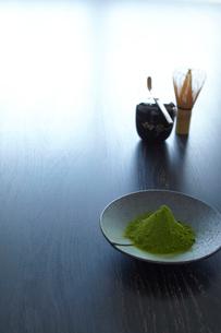 抹茶と茶道具の写真素材 [FYI01460999]