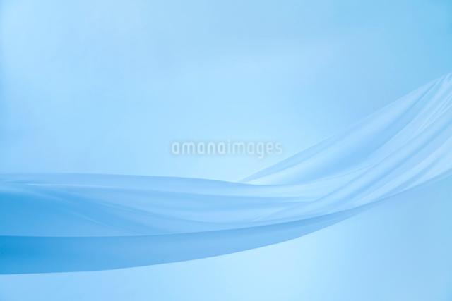 青い布のドレープの写真素材 [FYI01461017]