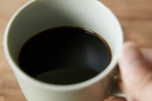 カップの中のコーヒーの写真素材 [FYI01461314]
