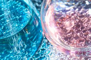 色水の入ったフラスコのアップの写真素材 [FYI01461526]