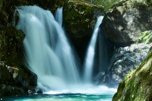音水渓谷の滝の写真素材 [FYI01463310]