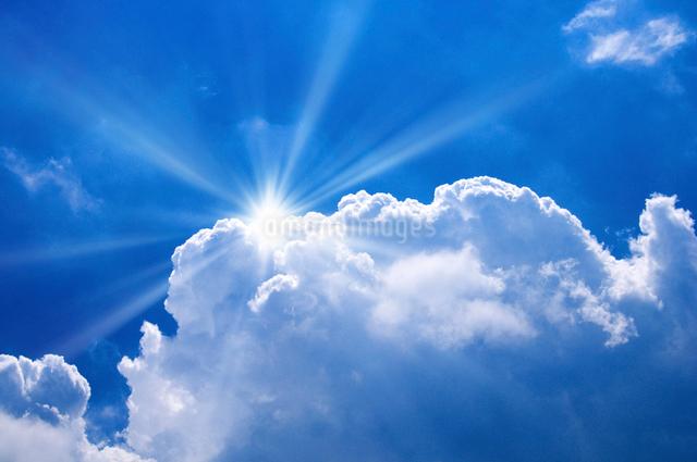 青空と入道雲の写真素材 [FYI01463537]