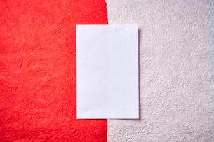 紅白の和紙の写真素材 [FYI01464138]
