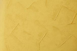 黄色い漆喰壁の写真素材 [FYI01464538]