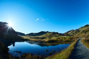 秋の砥峰高原の朝の写真素材 [FYI01464797]