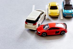 四台のミニカーの写真素材 [FYI01465316]
