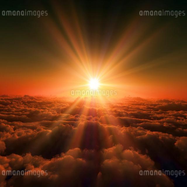 日の出と雲海のイラスト素材 [FYI01469451]