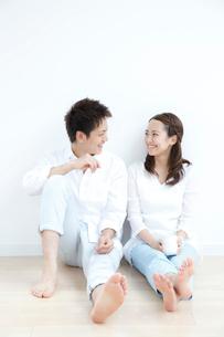 若いカップルのポートレートの写真素材 [FYI01470631]