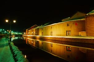 小樽運河冬景色夜景の写真素材 [FYI01470806]