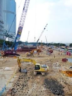 都市開発の工事現場の写真素材 [FYI01471252]