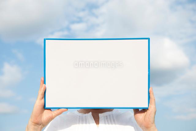 空とホワイトボードの写真素材 [FYI01471336]