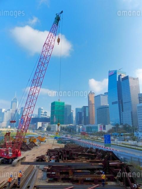 都市開発の工事現場の写真素材 [FYI01472302]