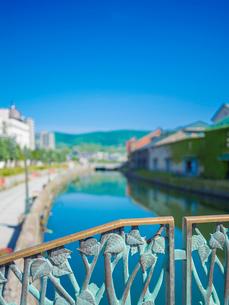 快晴の小樽運河 (南運河)の写真素材 [FYI01472498]