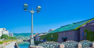 快晴の小樽運河 (南運河)の写真素材 [FYI01472643]