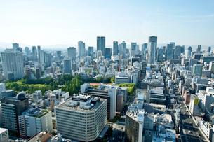 本町ビル群と大阪市街(梅田方面)の写真素材 [FYI01474075]