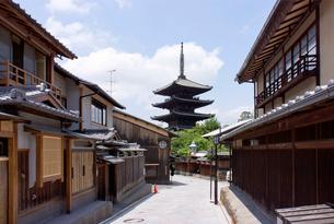 八坂の塔の写真素材 [FYI01474299]