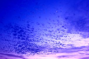 夕焼け空と雲の写真素材 [FYI01475708]