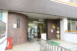 豊島区立巣鴨図書館の写真素材 [FYI01477144]