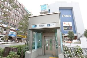 東京メトロ高田馬場駅エレベーターの写真素材 [FYI01477167]