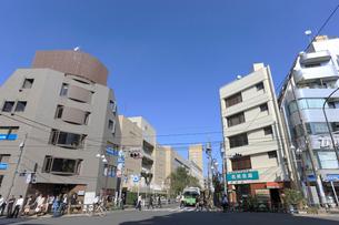 地下鉄早稲田駅前交差点の写真素材 [FYI01477400]