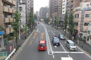 駒本小学校前交差点の写真素材 [FYI01477793]