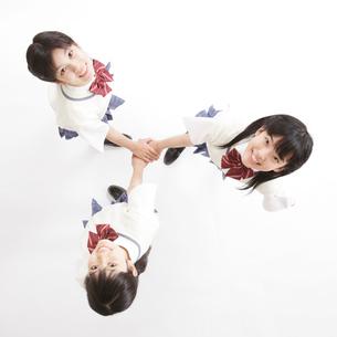 3人の女子中学生のポートレートの写真素材 [FYI01478968]