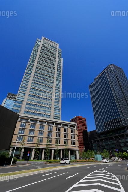 丸の内の高層ビルの写真素材 [FYI01479225]