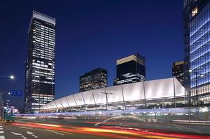 東京駅八重洲口 グランルーフ 夜景の写真素材 [FYI01479269]