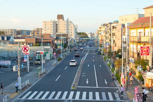 八坂駅前の府中街道の写真素材 [FYI01479511]