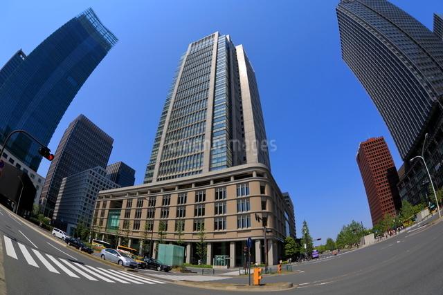 丸の内の高層ビルの写真素材 [FYI01479569]