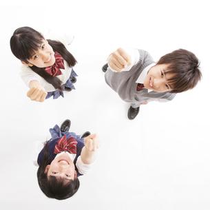 3人の中学生男女のポートレートの写真素材 [FYI01479679]