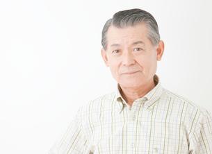 60代男性のポートレートの写真素材 [FYI01479822]