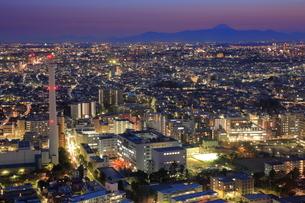恵比寿から富士山方面の夜景の写真素材 [FYI01479915]