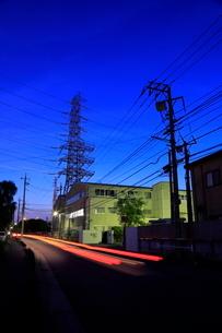 倉庫街の夜景の写真素材 [FYI01479934]