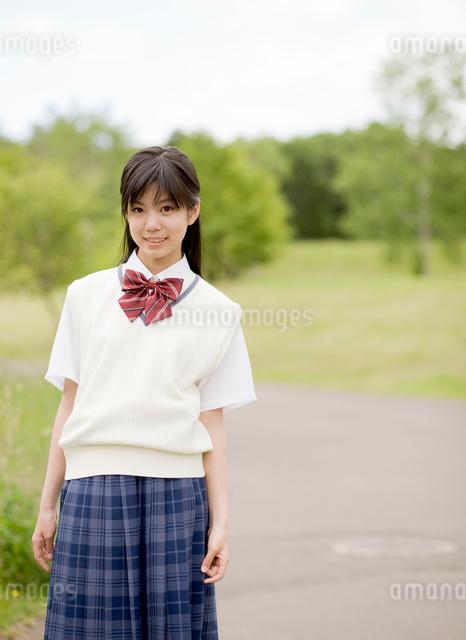 女子中学生ポートレートの写真素材 [FYI01480188]