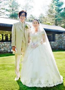 結婚式の新郎新婦 記念写真の写真素材 [FYI01480442]