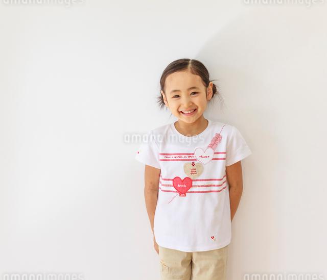 6歳の女の子のポートレートの写真素材 [FYI01480614]