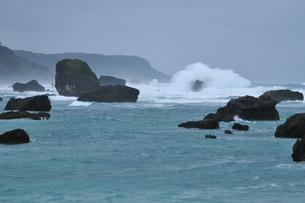 東平安名崎 台風接近の写真素材 [FYI01481105]