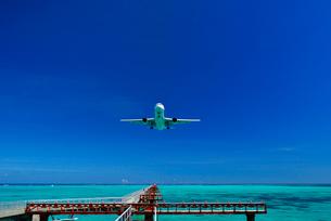 旅客機の訓練飛行 下地島空港の写真素材 [FYI01481750]