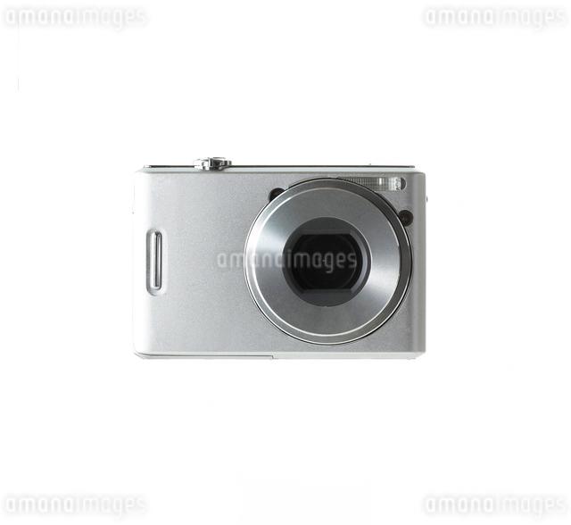 シルバーのデジタルカメラの写真素材 [FYI01484522]