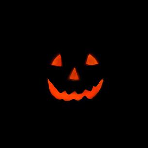 光るハロウイン人形の写真素材 [FYI01484857]