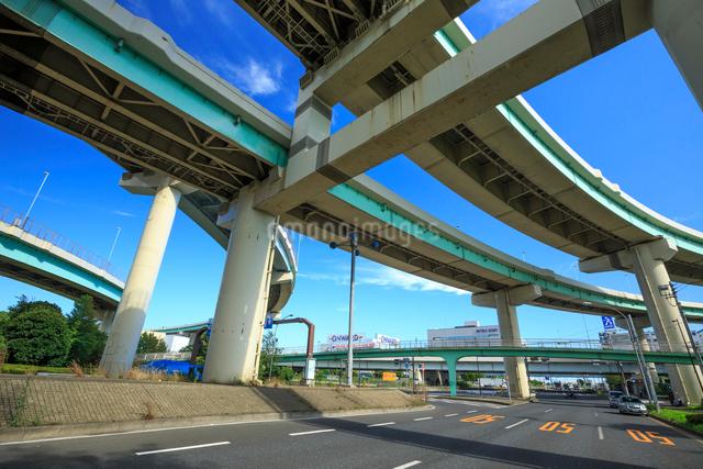 首都高速湾岸線辰巳ジャンクションの高架橋の写真素材 [FYI01485569]