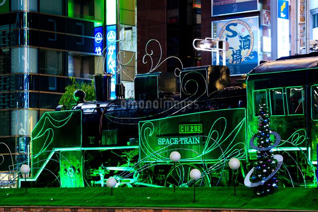 新橋駅前 SL広場のイルミネーションの写真素材 [FYI01486213]