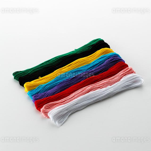 カラフルな糸の写真素材 [FYI01486701]