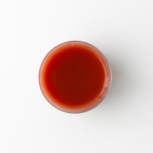 真上から見たトマトジュースの写真素材 [FYI01486876]