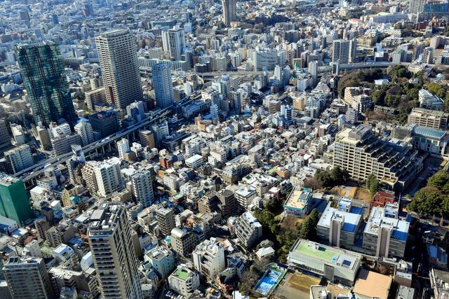 東京タワー展望台より望む麻布方面の街並の写真素材 [FYI01487182]
