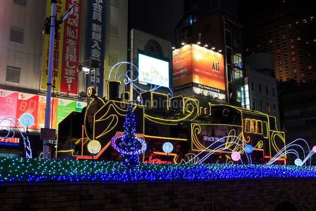 新橋駅前 SL広場のイルミネーションの写真素材 [FYI01487702]