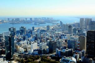東京タワー展望台より望むお台場方面の街並の写真素材 [FYI01488072]