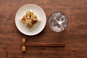 豆腐と焼酎の写真素材 [FYI01489505]