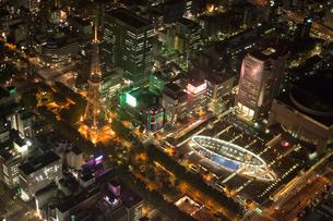 空撮:名古屋栄エリア夜景の写真素材 [FYI01489864]